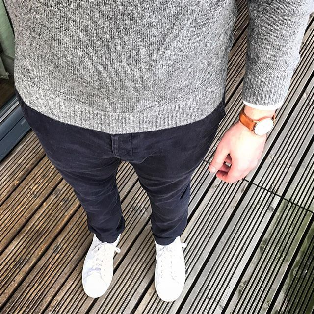 I get a lot of inspiration for outfits from fellow instagram users. People like @martinthemeat, @the_everyday_gent, @from9to12 and @wouterkaan all have great minimalist style. Who else has nailed the Scandinavian aesthetic on here? 🤔. #tngoutfitfromabove  @allsaints trousers @adidasoriginals #stansmith  @uniqlousa shirt @danielwellington watch @racinggreengb jumper