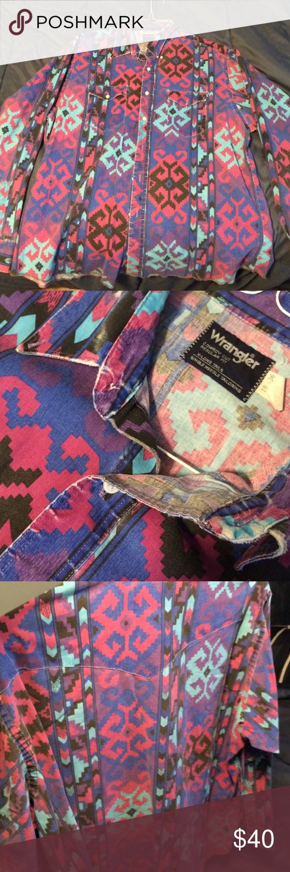 Wrangler button up tribal shirt Very nice vintage wrangler button down. Snowflake tribal print all over. Don't sleep!  Wrangler Tops Button Down Shirts