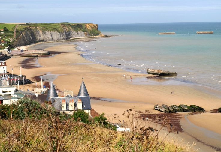 Este cine circular está rodeado por las playas  en las que tuvo lugar el desembarco en Normandía, en junio 1944.
