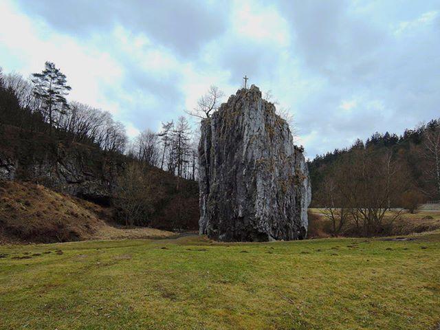 Hiking in Moravian Karst  . . #moraviankarst #springisfinallyhere #springmood #springfeeling #springishere #moravskykras #czech #czechrepublic #igerscz #morava #czech_world #czechphotography #czechnature #hikingadventures #hikingtrails #hikingculture #hikinglife #hikingtrip #springhike #outdoorslife #landscapelovers #naturelovers #scenicview #naturepics #natureview #landscapephoto #wanderlusters #travellove #travelholic #gaytravel