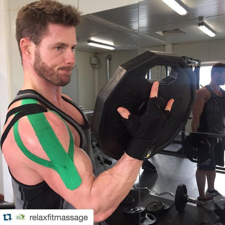 Had a great workout thx to @relaxfitmassage @daveyslingers did some #medicaltaping techniques on me today. Helping out with pain in the deltoideus area and lumbar area. Thanks to the #kinesiotaping you can still workout because you get extra support on the strains or sore muscles. #kinesiotape #kinesio #fitness