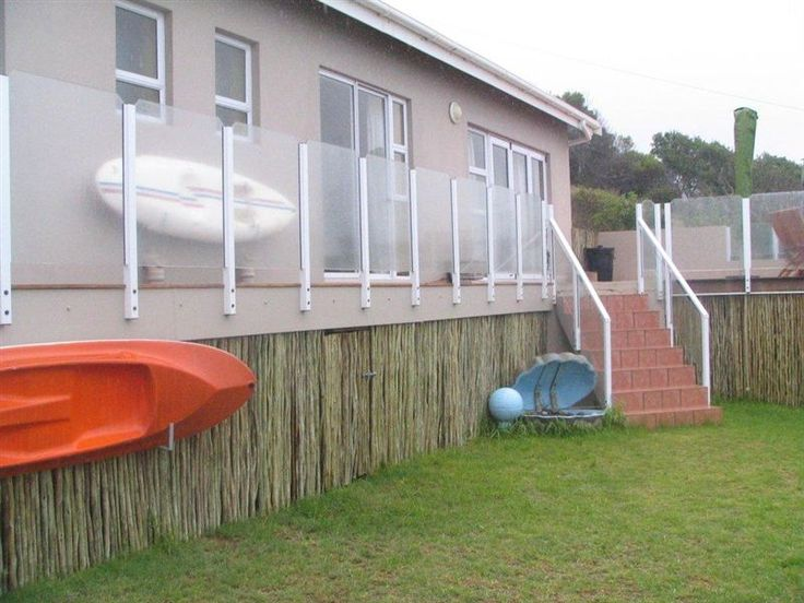 Harbour Cottage - Harbour Cottage is a wonderful seaside house that is ideal for a family holiday away from the busy city. The house sleeps six people and is comfortably equipped with all you need. Stillbaai is a quiet ... #weekendgetaways #stilbaai #gardenroute #southafrica