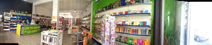 """Alberta Zancudi, Libreria Piazza Repubblica, Cagliari: """"Abbiamo capito che se non vogliamo soccombere, dobbiamo reinventare un modo del tutto nuovo di fare cultura, svecchiando ogni luogo e ogni concetto: da quello di libro, a quello di libraio, di accademia e di libreria""""."""