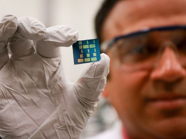 #Tinoxide   #Ptype   #2Dsemiconductormaterial   Great magic done by the Ashutosh Tiwari and his team, have discovered first stable p-type 2D semiconductor material at the University of Utah. For more detail click below: http://analyseameter.com/2016/02/tin-oxide-ptype-2d-semiconductor-material.html