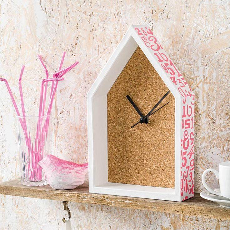 """PappArt-Uhr mit Kork  (Idee mit Anleitung – Klick auf """"Besuchen""""!)"""