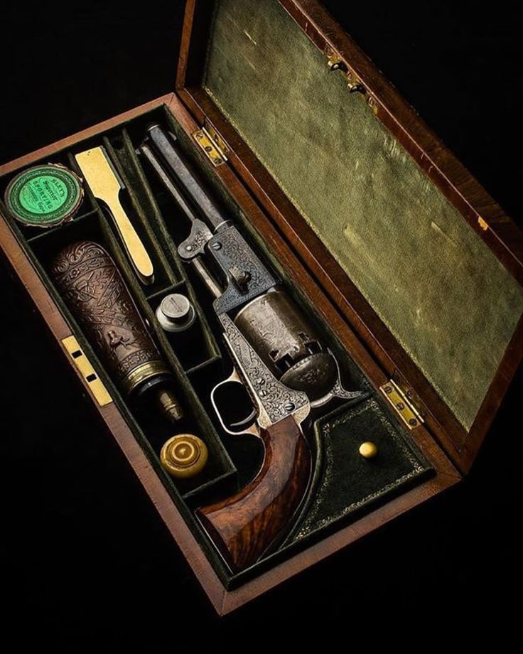 451 отметок «Нравится», 1 комментариев — The Tactical Status (@tactical.daily) в Instagram: «Follow @globaltacticalsupply - @_westleyrichards_ .44 Colt 'Dragoon' revolver manufactured between…»