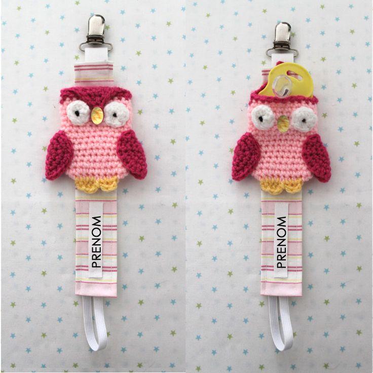 attache tétine crochet