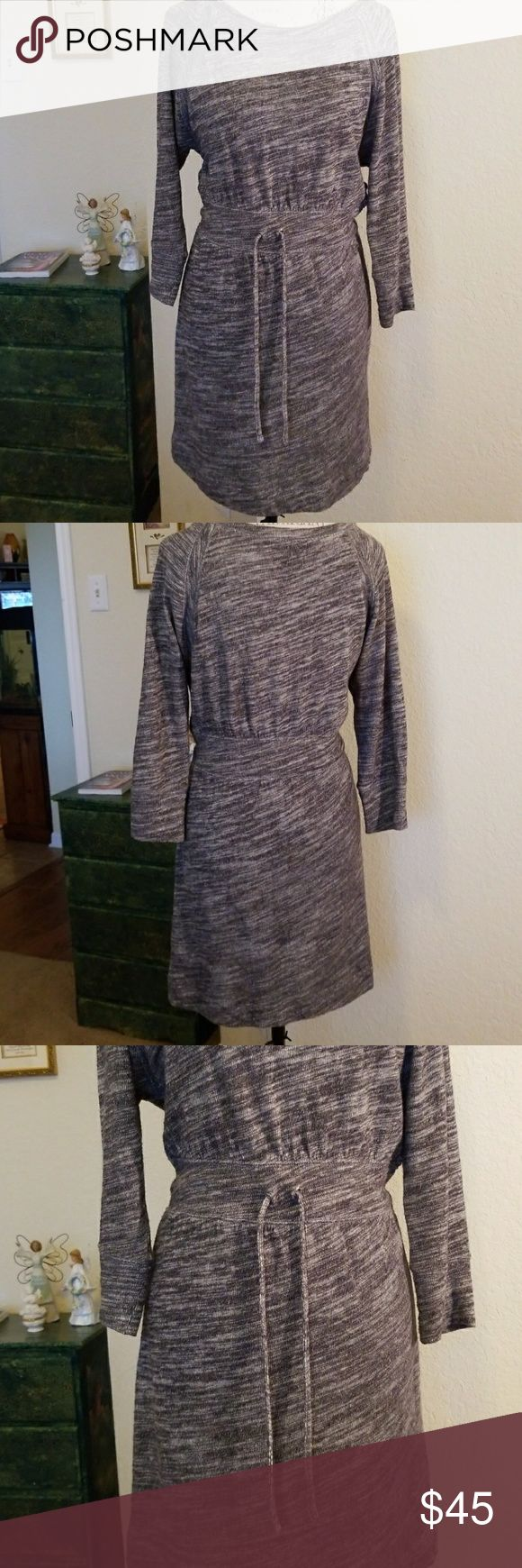 🆕️ Juicy Couture Dress Turn on the charm in this woman's Juicy Couture Dress, featuring 3/4 length sleeves and drawstring waist. Wear with leggings and boots for a stylish look. Great condition. Juicy Couture Dresses