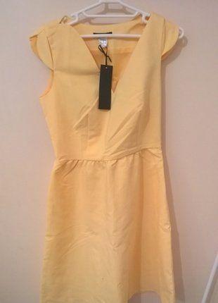 À vendre sur #vintedfrance ! http://www.vinted.fr/mode-femmes/robes-habillees/26075171-robe-neuve-avec-etiquette-laura-clement-jaune-clair-taille-38
