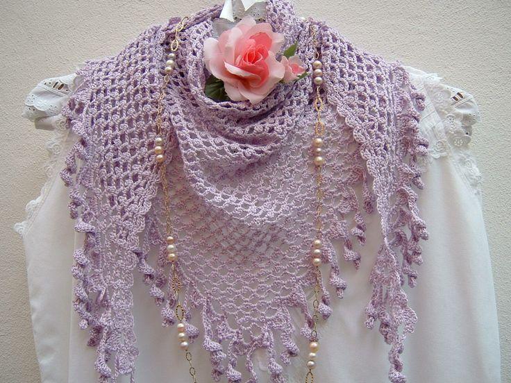 Scialle bohemian all'uncinetto-Scialle triangolare di cotone lilla-Sciarpa-Scialle di pizzo-Coprispalle con nappine : Sciarpe, foulard, cravatte di i-pizzi-di-anto