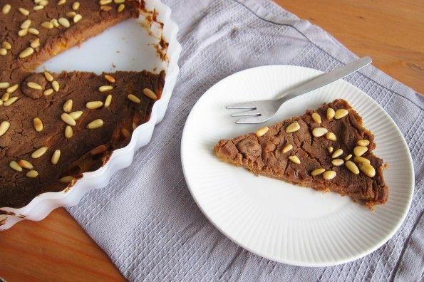 Deze heerlijke koek is gemaakt van kastanjemeel en abrikozen en bevat geen ei en toegevoegde suikers. Een makkelijk, gezond en heerlijk receptje!