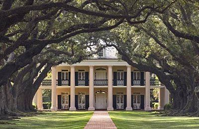 what southern gal wouldn't die to live in a big ole plantation house with an oak lined drive?!