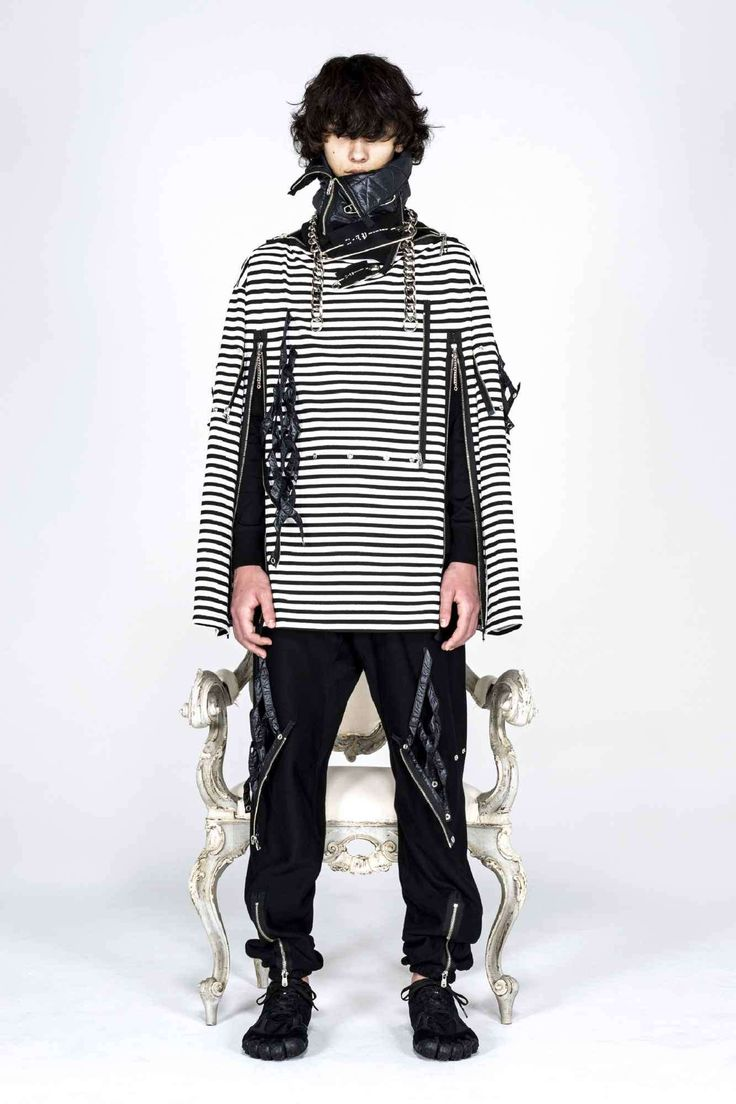 Takahiromiyashita TheSoloist. explora una estética neo-punk para su colección Fall-Winter 2021 Runway Fashion, Fashion News, Fashion Show, The Beatles Help, The Soloist, Walk The Line, Neo, Punk, Mens Fall