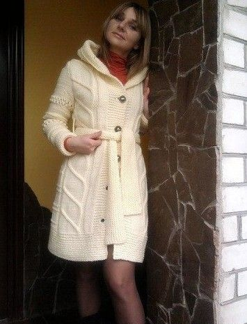 Стильное пальто спицами со схемой. Теплый кардиган с капюшоном спицами   Домоводство для всей семьи.