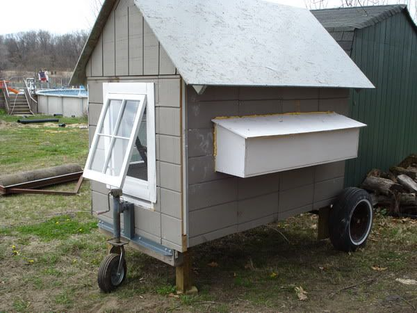Images of homemade chicken coops homemade chicken coop for Homemade chicken house