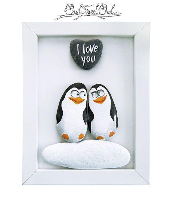 Einzigartige handgefertigte 3-d-Gemälde mit Pinguine verliebt! | Ein Original-Artworks mit bemalte Kieselsteine und ein Marmor Herz gemacht