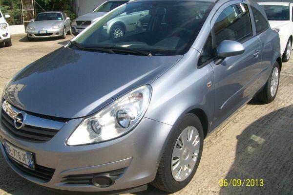 Opel Corsa garanzia 12-36 mesi http://www.ilsalonedellauto.it/inserzioni/Opel-Corsa-garanzia-12-36-mesi-79.html #annunci #auto #usate