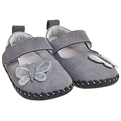 @Overstock - These sweet infant and toddler walking shoes from Little Blue Lamb are handmade of genuine European calf leather. Soft leather soles capped with non-slip rubber pads enhance your child's feeling of the earth while buffering impact to protect the spine.http://www.overstock.com/Clothing-Shoes/Little-Blue-Lamb-Infant-Toddler-Hand-stitched-Grey-Leather-Walking-Shoes/6638096/product.html?CID=214117 $32.99