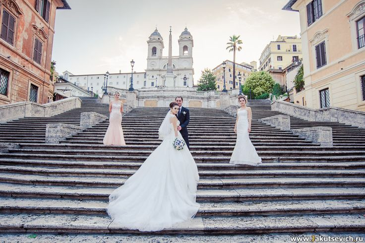 Испанская лестница жених и невеста - Свадебная фотосессия в Риме,  фотограф в Италии Артур Якуцевич www.jakutsevich.ru