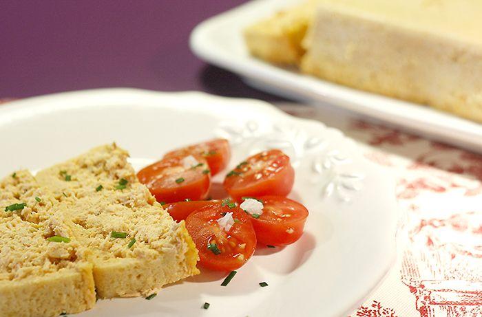 Receta de pastel de pescado en Crock Pot. Receta paso a paso con imágenes y recomendaciones de elaboración. Recetas de pastales salados en slow cooker.