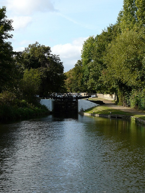 Hanwell Locks by Loz Flowers, via Flickr