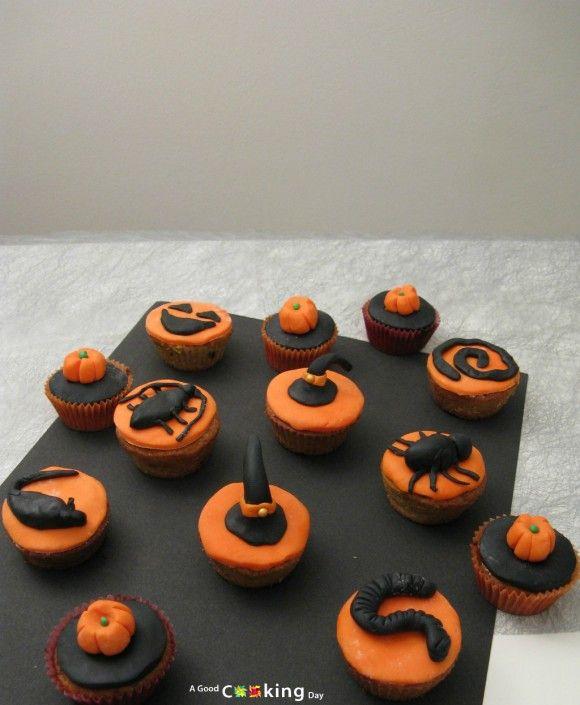 Recette de cupcakes d'Halloween décorés :chapeau de sorcière, citrouilles, rat, cafars, araignée, ver, ...