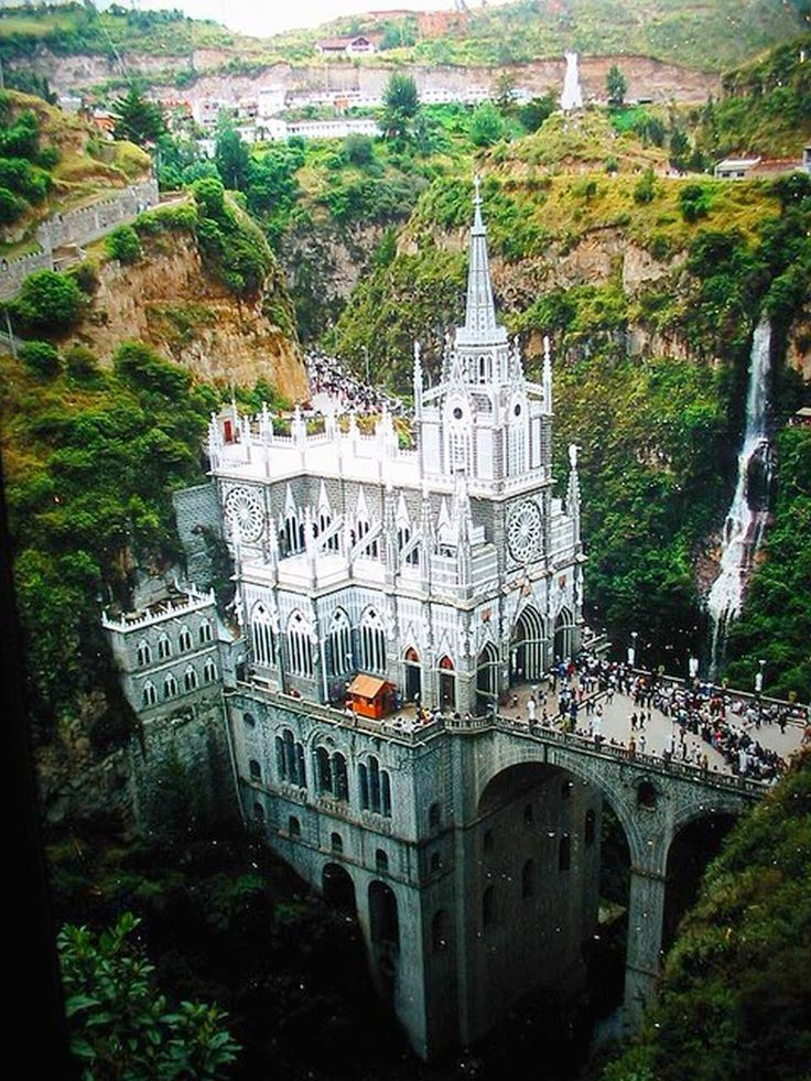Oh it's beautiful! Santuario De Las Lajas, Colombia