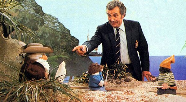 Michael Bentine's Potty Time - loved the 'magical' footprints! The simple things of life at that time , think we had the best childhood of time innocent !!!