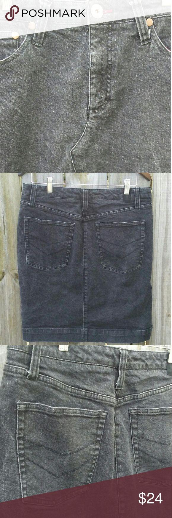 Tommy Hilfiger Retro black wash jean skirt-size 10 Tommy Hilfiger black acid wash jean skirt Black acid wash Length 20.5 inches Waist 32 Tommy Hilfiger Skirts Pencil