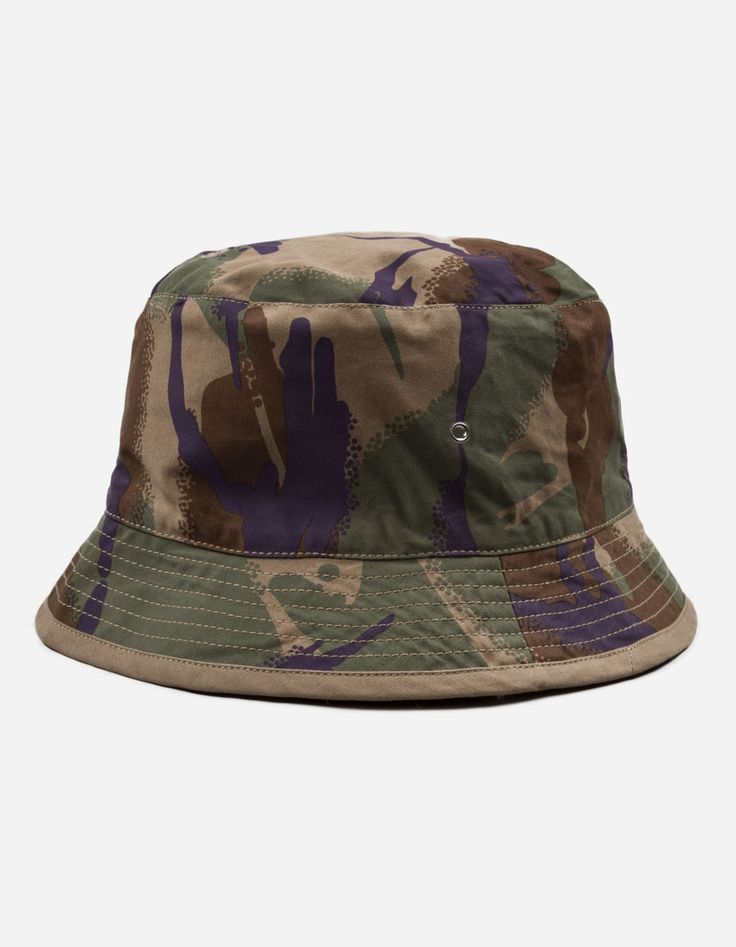View our 8022 REVERSIBLE CAMO BUCKET HAT part of the Headwear collection on Maharishi.