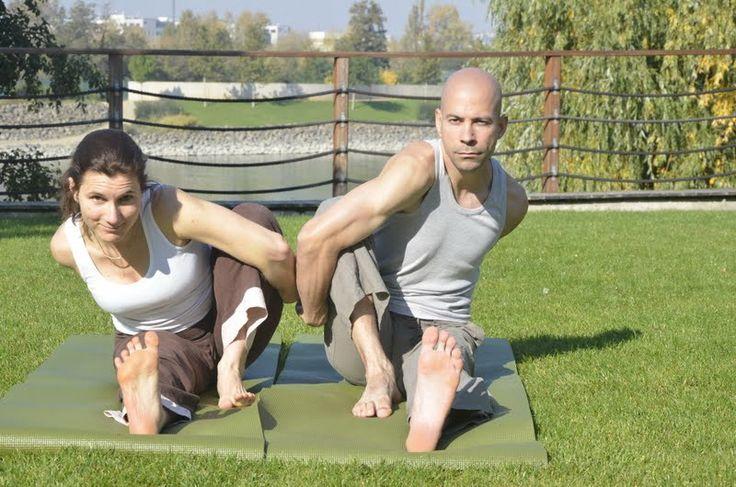 Vitai Kati és Purusa - jóga, meditáció, életmód www.eljharmonaban.hu #kezdőjóga #hathajóga #jógatanfolyam #jóga #jógabudapest #meditáció #meditációstanfolyam  #jógastúdió #yogabudapest  #yoga #yogabudapest  #eljharmoniaban  #vitaikati #purusa  #yogapose #asana #ászana #stone  #green