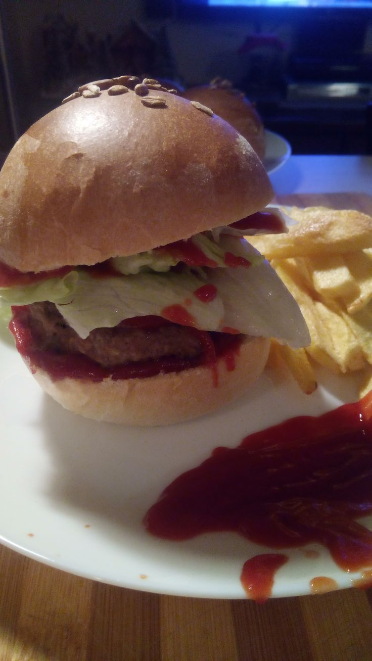 La ricetta facile e infallibile per i panini soffici e buoni adatti anche agli hamburger!  In questo modo il fast food lo porti a casa!  #ricette #ricetta #cucina