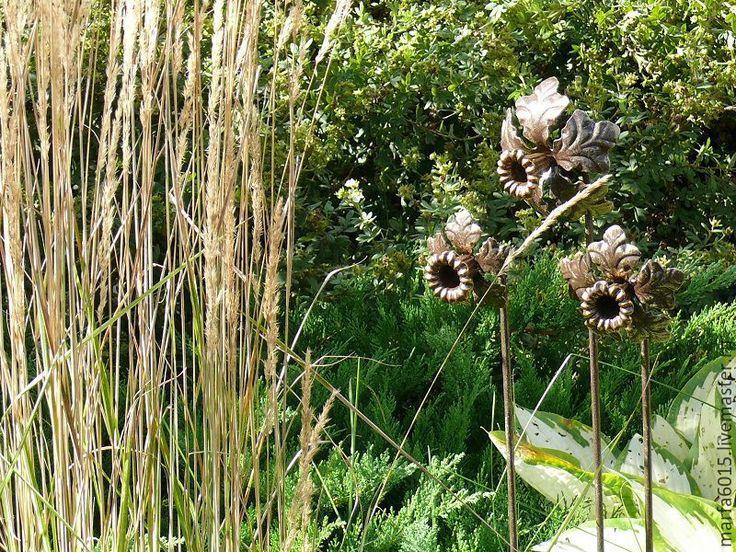 Купить или заказать Нарциссы- комплект из 3-х штук- садовые украшения для…
