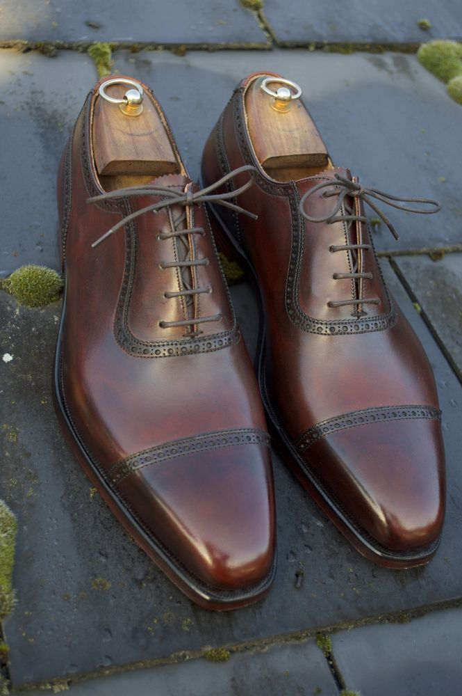 Sometimes a relatively simple shoe that might look good but be a bit flat in character can be uplifted a million times over with a bit of work in the polish and color department. I am actually work…