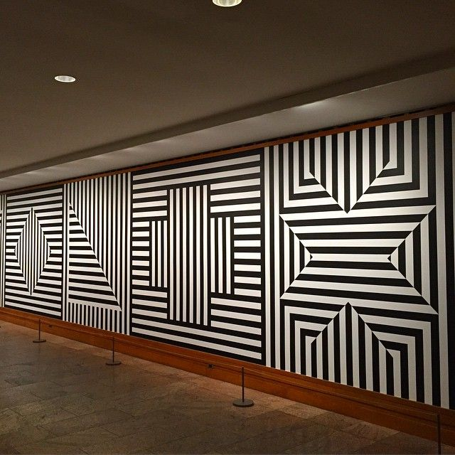 Sol Le Witt Wall Drawing #370 visiting at the Met museum
