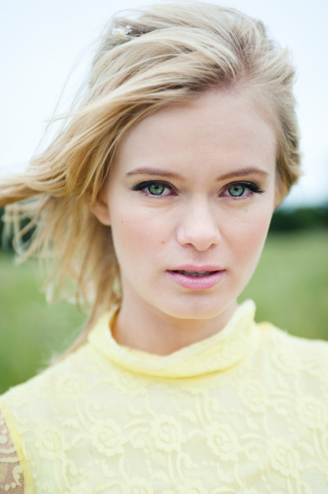 Sara Paxton love her. She was great in the movie The Innkeepers.