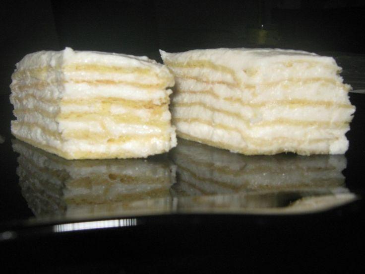 Reteta culinara Prajitura alba sau Alba ca zapada din categoria Prajituri. Cum sa faci Prajitura alba sau Alba ca zapada
