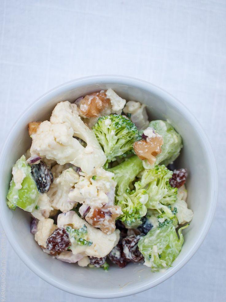 Broccoli- og blomkålssalat med fetaost og valnøtter