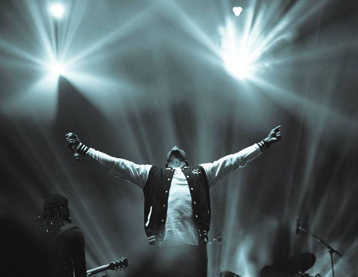 #LoveDoctor @realromainvirgo at @bomboclatfestival   @georgiana_chitea  @bomboclatfestival #reggaelizeit #romainvirgo #richinlove #soulprovider #younggeneration #jamaican #singer #bomboclatfestival #belgium #livemusic #reggae #lifted #festival #photoreport #musicphotography #concertphotography
