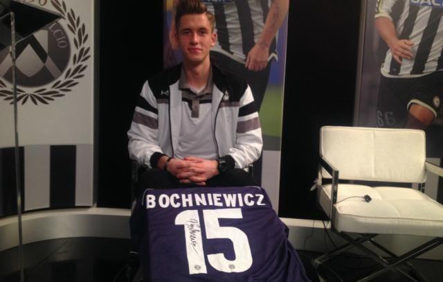 19-letni obrońca Paweł Bochniewicz od lipca jest piłkarzem rezerw Granada CF. Wychowanek Wisłoki Dębica do III ligi hiszpańskiej został wypożyczony z Udinese. Wcześniej występował w Reggina Calcio w Serie B.