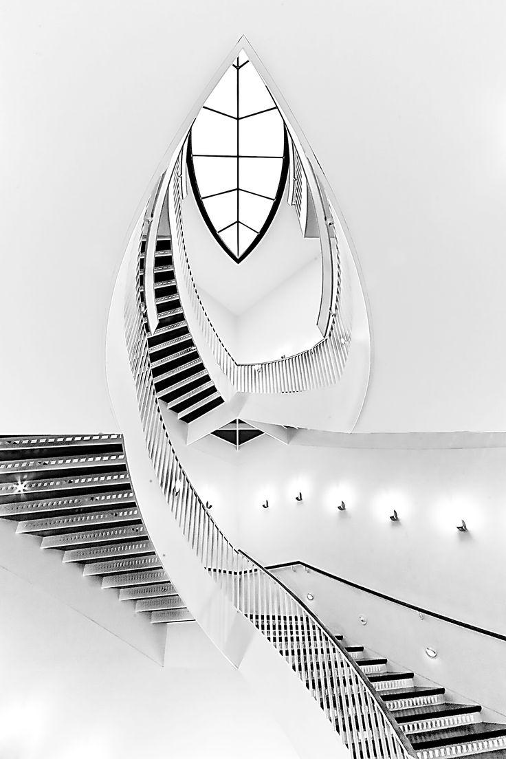 Staircase    MCA  Chicago