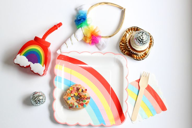 Alles für deine Einhörner & Regenbogen - Unicorns & Rainbows Party: http://www.mamaundmini.ch/party-themen/einhorn-regenbogen/