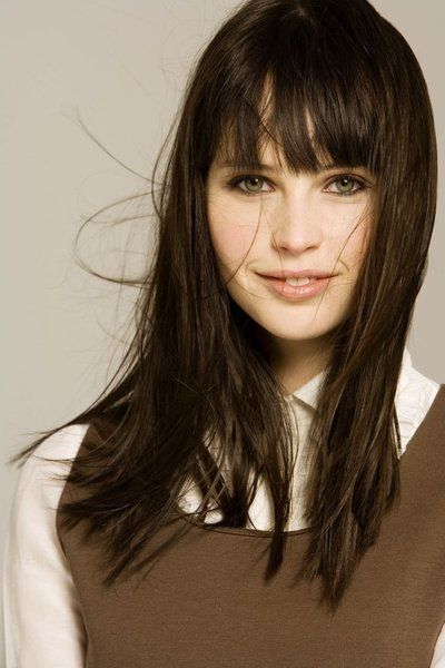 Felicity Jones // Gemma Cavanaugh 8bf56cd717fc917eb461dbc17ee682ee