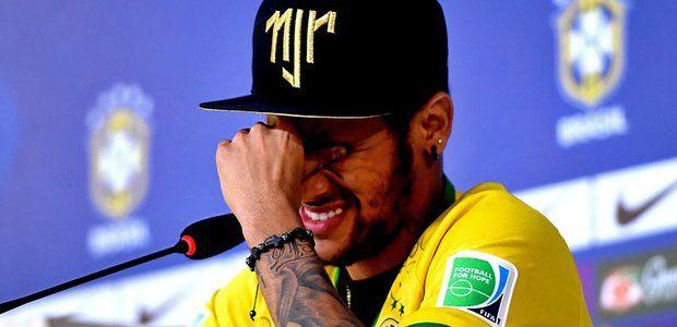 """Im Spiel um Platz drei gegen die Niederlande in Brasília will Neymar die Mannschaft unterstützen. """"Wir haben jetzt alles beweint, was es zu beweinen gab. Und jetzt versuchen wir, am Samstag zu spielen und die Partie zu gewinnen.""""  weiter lesen: http://web.de/magazine/wm-2014/aktuelles/19117344-wm-2014-neymar-juan-zuniga-attacke-verzeihen.html#.A1000145"""