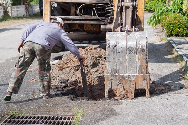 Call Atlanta Septic Tank Pros Immediately if You Observe Drainage Problems l (404) 998-8812