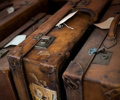 used & beat up.: Vintage Suitcases, Style, Old Suitcases, Brown, Travel, Leather Case, Leather Suitcases, Vintage Luggage