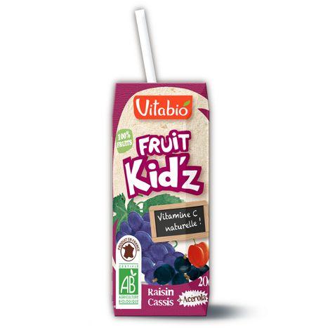Fruit Kid'z Raisin Cassis Vitabio - Fruit Kid'z, ce sont de délicieux cocktails de purs jus de fruits bio, faciles à déguster avec leur paille ! #gouter #gouterbio