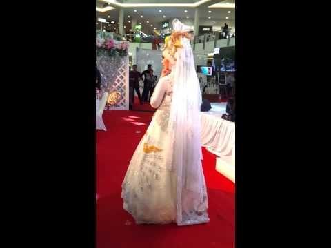 Venza Kebaya Fashion Show @Surabaya - YouTube