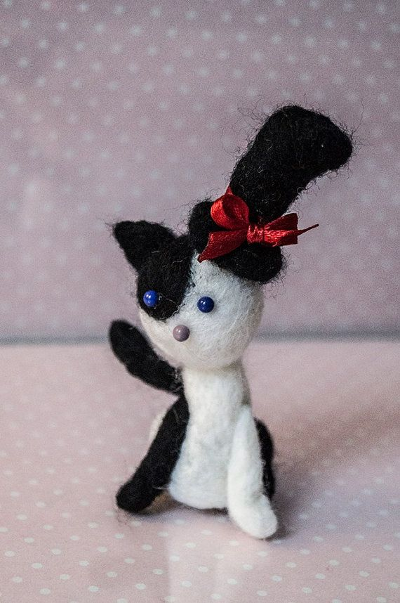 Cute cat in top hat by SmallAtticBedroom on Etsy