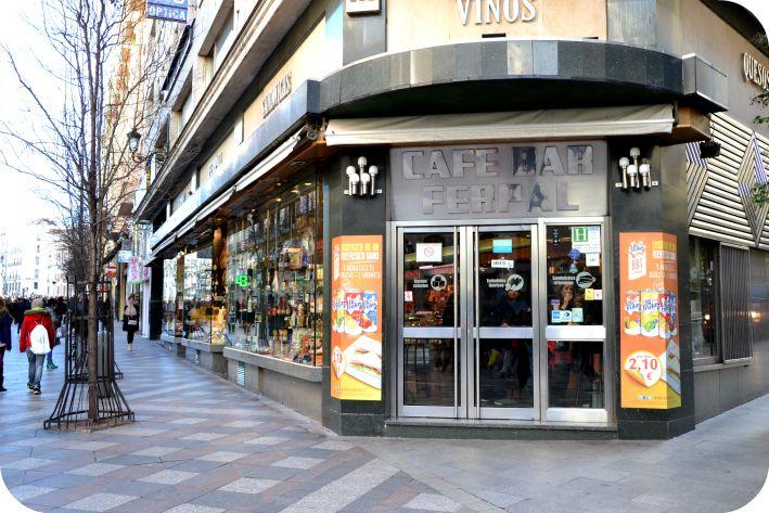 Cafe Bar Ferpal: Sándwiches a buen precio en Madrid